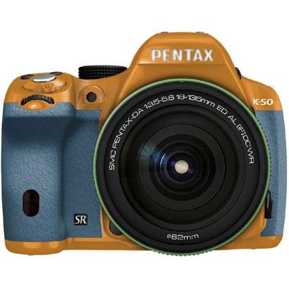 K-50 18-135WRキット オレンジ/アクア 025 [ボディ+交換レンズ「smc PENTAX-DA18-135mmF3.5-5.6ED AL[IF]DC WR」]