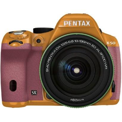 K-50 18-135WRキット オレンジ/ピンク 026 [ボディ+交換レンズ「smc PENTAX-DA18-135mmF3.5-5.6ED AL[IF]DC WR」]