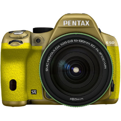 K-50 18-135WRキット ゴールド/イエロー 075 [ボディ+交換レンズ「smc PENTAX-DA18-135mmF3.5-5.6ED AL[IF]DC WR」]