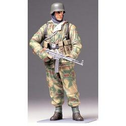 36304 WWII ドイツ冬期装備歩兵 (防寒戦闘服) [1/16 ワールドフィギュアシリーズ]