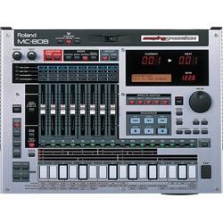 MC-808 [ムービング・フェーダー搭載 リズムマシン] Sampling Groovebox