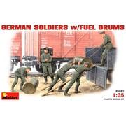 1/35 ドイツ兵w/ドラム缶セット フィギュアセット5体入り