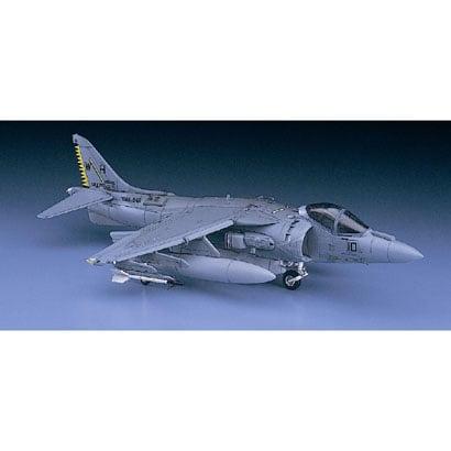 AV-8B ハリアーII プラス [1/72スケール プラモデル]
