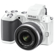 Nikon1 V2 標準ズームレンズキット ホワイト [ボディ+交換レンズ「1 NIKKOR VR 10-30mm f/3.5-5.6」]