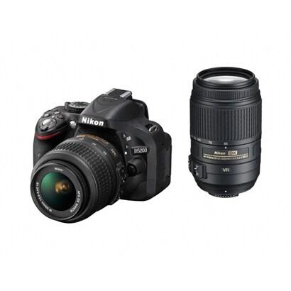 D5200 ダブルズームキット ブラック [ボディ+交換レンズ「AF-S DX NIKKOR 18-55mm f/3.5-5.6G VR」「AF-S DX NIKKOR 55-300mm f/4.5-5.6G ED VR」]