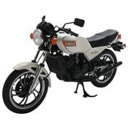 W667 ヤマハ RZ250 ニューパールホワイト [1/12スケール 完成レジンモデル]
