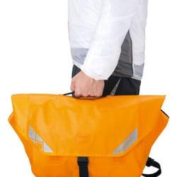 バッグ モンベル 防水 超防水、高耐久。モンベルの新作ロールトップ式パック、デビュー。