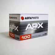 APX1011 APX100 135-36 [ISO感度100 モノクロフィルム]