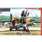 KPM0141 MiG-23UB フロッガーC [1/72スケール プラモデル]