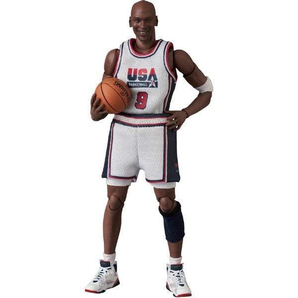 MAFEX Michael Jordan 1992 TEAM USA [塗装済可動フィギュア 全高約170mm]